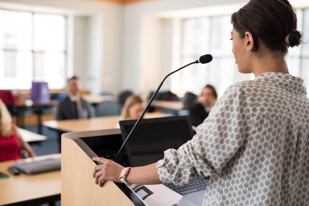 若手現場監督の教育に効く4つのポイント